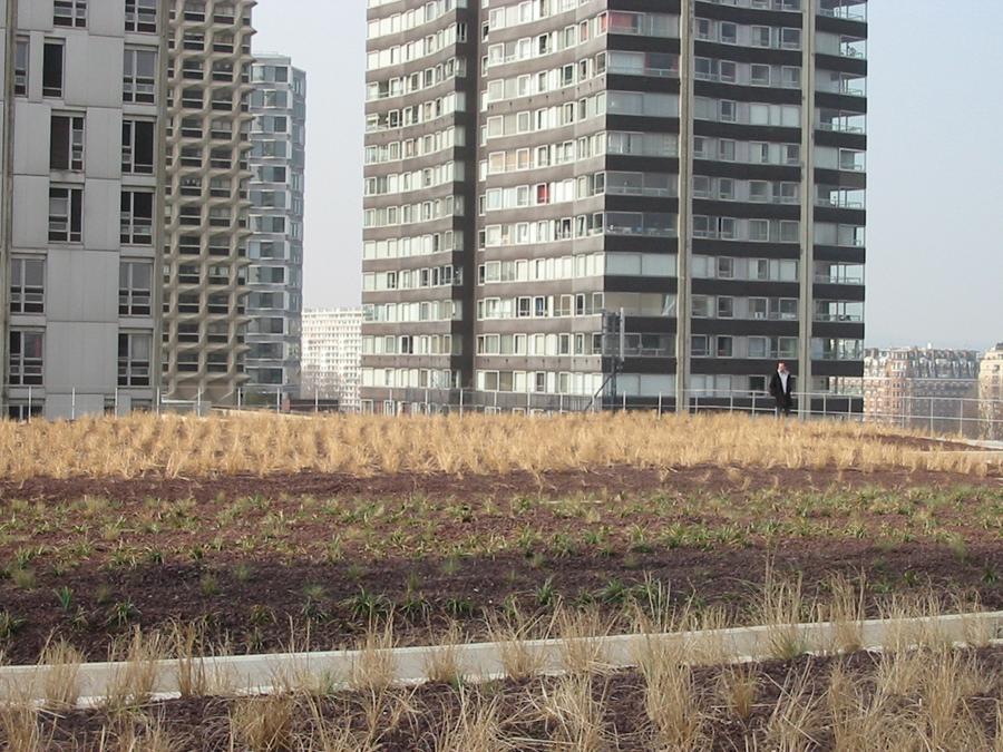 La toiture du centre commercial beaugrenelle qui ne sera pas ouverte au publ - Toiture vegetalisee paris ...